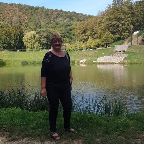 Társkereső adatai: Valentina, Nő 62