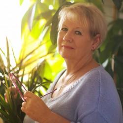 Társkereső adatai: Silvia, Nő 54