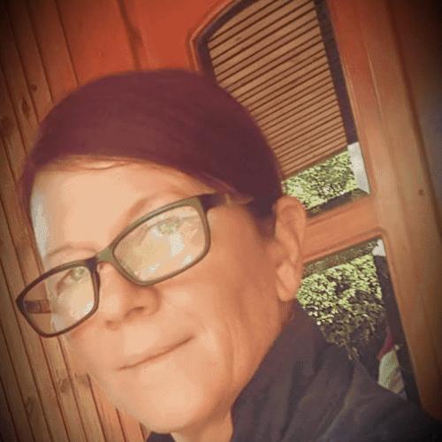 Társkereső adatai: Szagnes, Nő 49