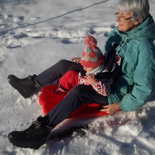Társkereső adatai: Ilona49, Nő 72
