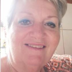 Társkereső adatai: Bernadett, Nő 61