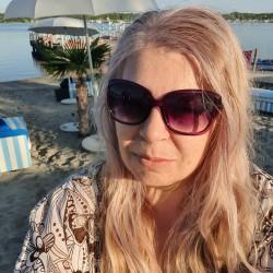Társkereső adatai: Maziz, Nő 55